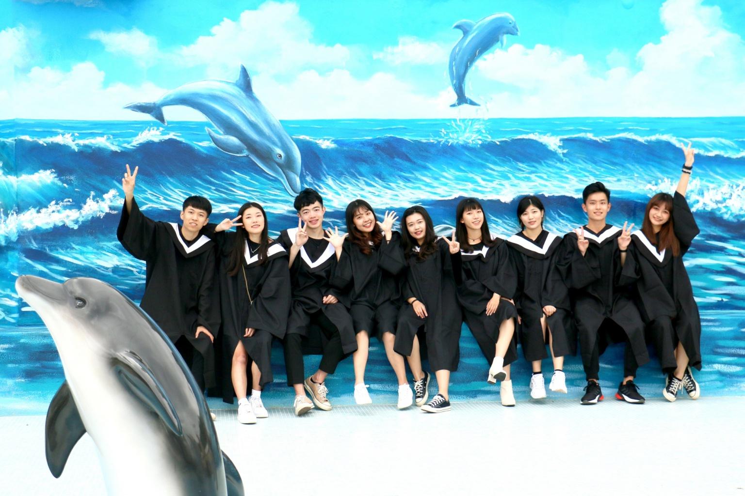 graduate (8).jpg (448 KB)